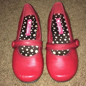 Girls Sz 1 red shoes slip on with cute side button